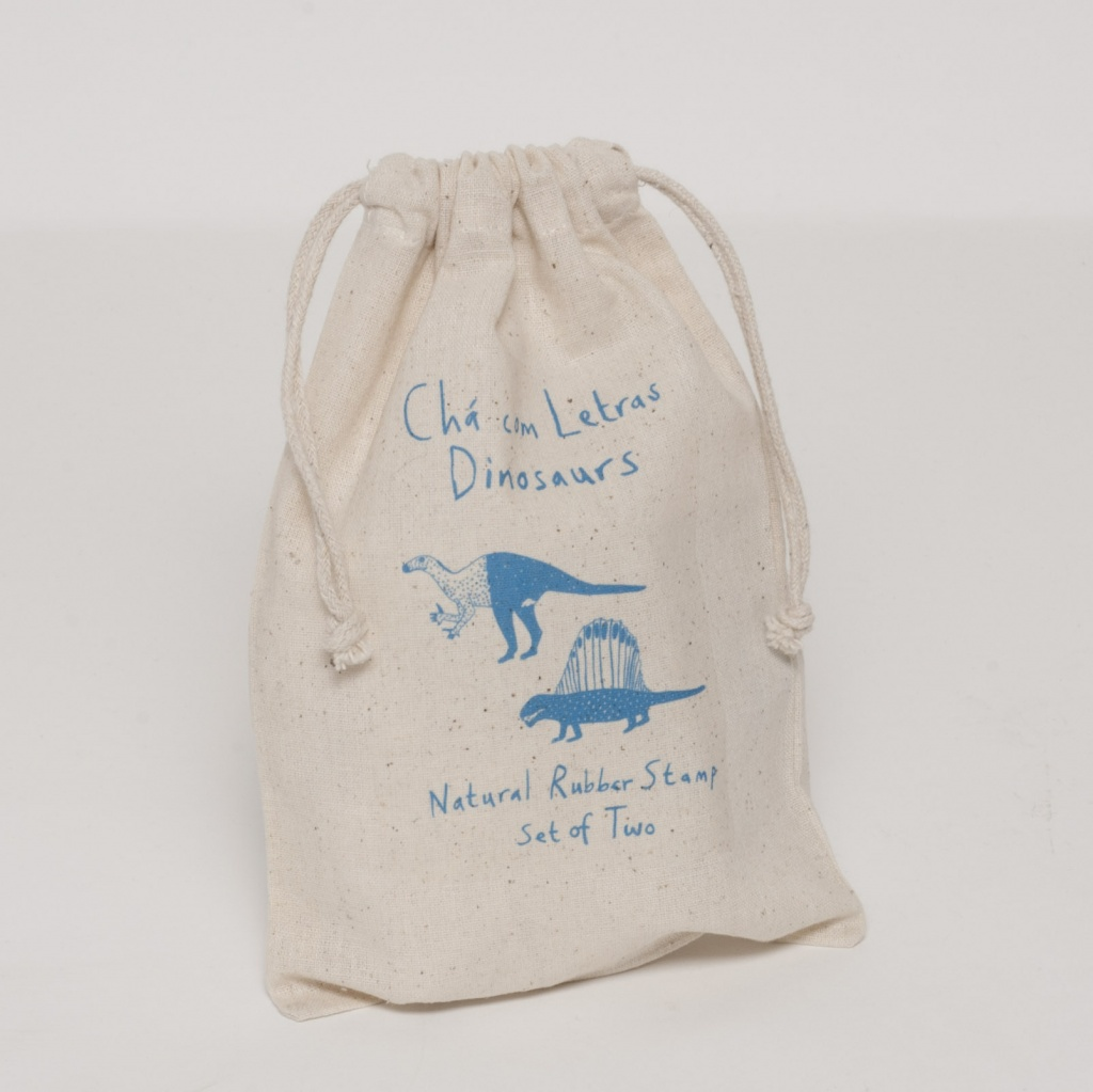 cha com letras small drawstring bag